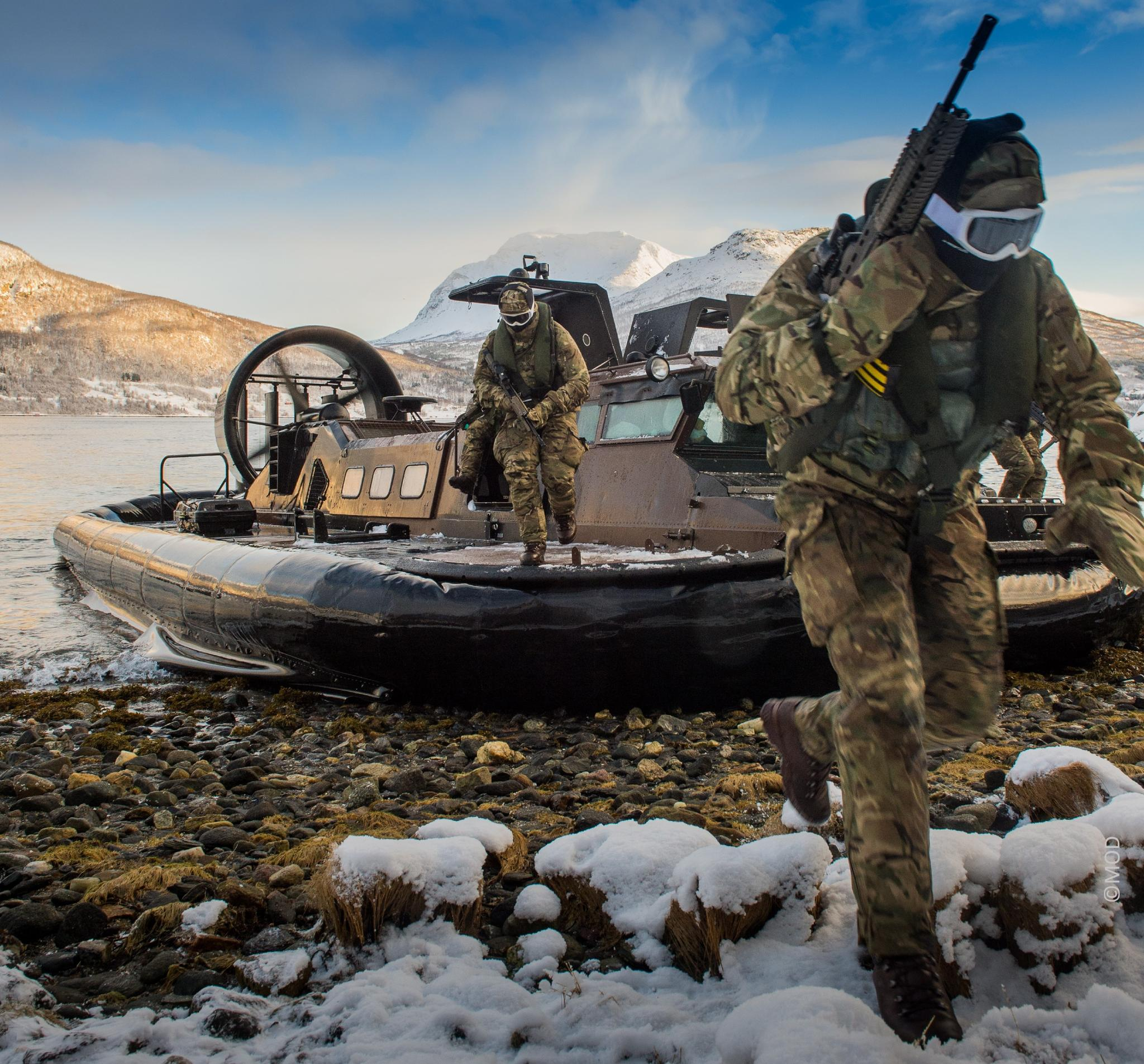 Cold weather Rigid Inflatable Boat soldier attack camouflage